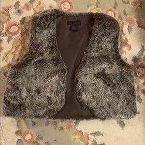 NWOT Steve Madden Faux Fur Cropped Vest - brown